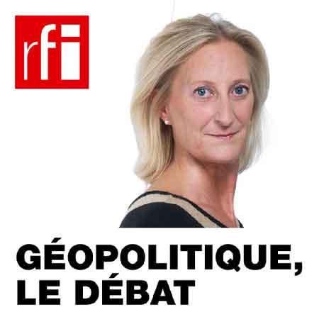 """Illustration du podcast """"geopolitique le debat"""" avec la photo de Marie-France Chatin et le logo de RFI."""
